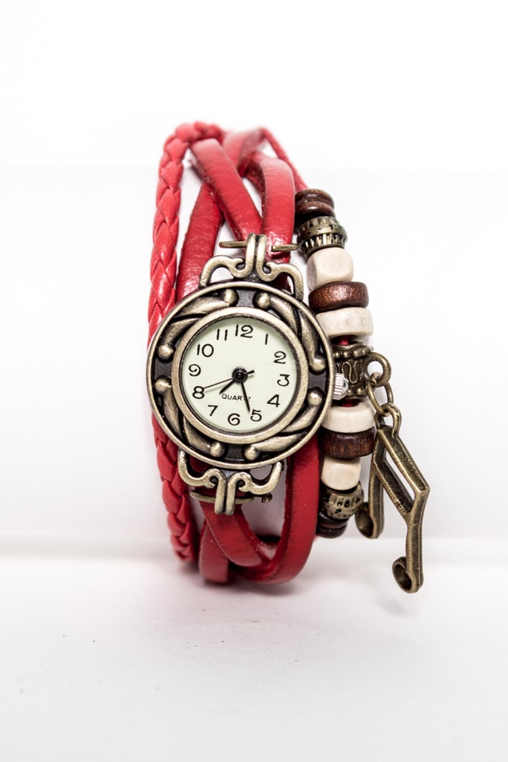 ЧасыЧасы<br>Необычные часы, выполненные под старину с переплетающимися ремешками и украшение в виде скрипичного ключа  Цвет: красный<br><br>Размер : UNI<br>Материал: Искусственная кожа<br>Количество в наличии: 1