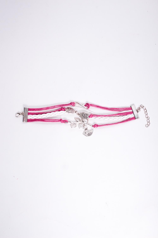 БраслетБраслеты<br>Оригинальный браслет ввиде переплетенных ремешков.  В изделии использованы цвета: розовый, белый<br><br>По материалу: Кожа<br>По стилю: Повседневный стиль<br>Размер : UNI<br>Материал: Искусственная кожа<br>Количество в наличии: 1
