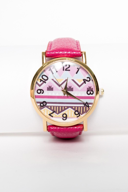 ЧасыЧасы<br>Стильные часы на кожаном браслете с принтом на циферблате  Цвет: розовый<br><br>Размер : UNI<br>Материал: Искусственная кожа<br>Количество в наличии: 1