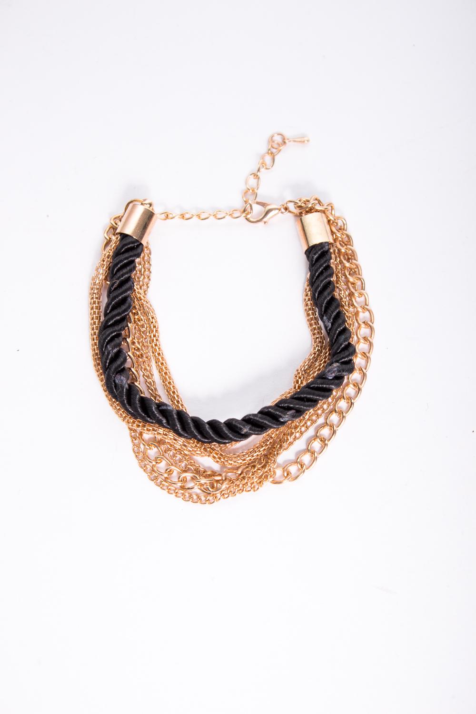 БраслетБраслеты<br>Оригинальный браслет ввиде переплетенных цепей.  В изделии использованы цвета: черный, золотой<br><br>По материалу: Текстиль<br>По стилю: Нарядный стиль<br>Размер : UNI<br>Материал: Металл, текстиль<br>Количество в наличии: 1