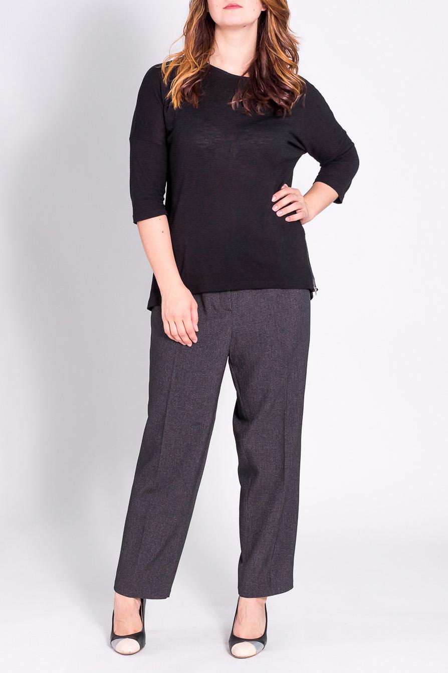 БрюкиБрюки<br>Классические брюки со стрелками.  Модель выполнена из плотной костюмной ткани. Отличный выбор для повседневного и делового гардероба.  Цвет: серый  Рост девушки-фотомодели 180 см<br><br>По материалу: Костюмные ткани<br>По рисунку: Однотонные<br>По сезону: Весна,Осень,Зима<br>По силуэту: Прямые<br>По стилю: Классический стиль,Офисный стиль,Повседневный стиль<br>По форме: Классические<br>По элементам: Со стрелками<br>Размер : 62/164,66/164,66/170,68/164,68/170,70/170<br>Материал: Костюмная ткань<br>Количество в наличии: 6