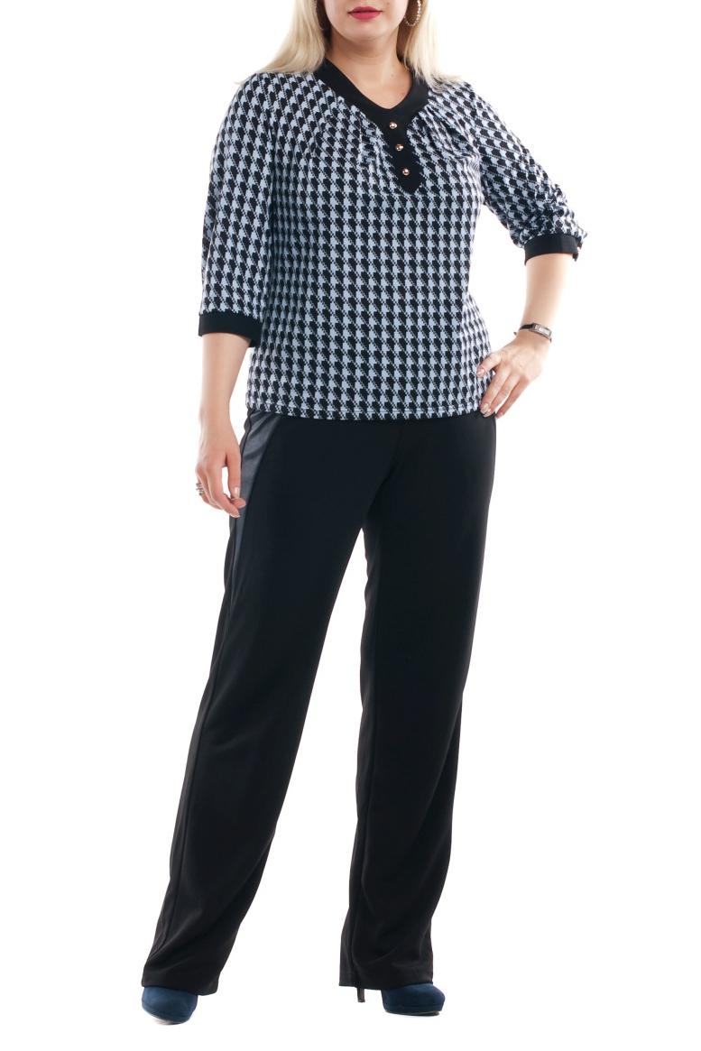 БрюкиБрюки<br>Удобные брюки из плотного материала. Отличный выбор для любого случая.  Цвет: черный  Рост девушки-фотомодели 173 см<br><br>По материалу: Трикотаж<br>По рисунку: Однотонные<br>По сезону: Весна,Осень,Зима<br>По силуэту: Свободные<br>По стилю: Офисный стиль,Повседневный стиль<br>По элементам: С резинкой<br>Размер : 52,64<br>Материал: Трикотаж<br>Количество в наличии: 6