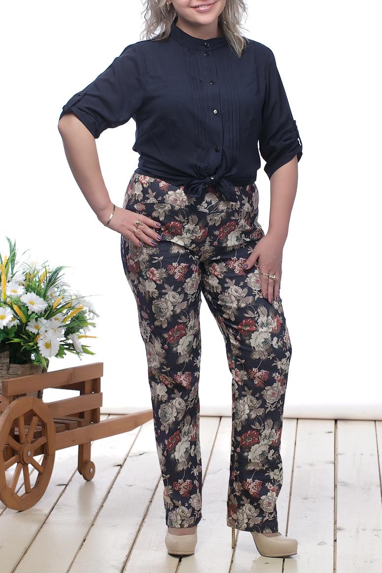 БрюкиБрюки<br>Удобный брюки с завышенной талией. Модель выполнена из джинсовой ткани с цветочным принтом. Прекрасный вариант для повседневного гардероба.  В изделии использованы цвета: синий, бежевый и др.  Длина изделия по шаговому шву: 48 размер - 74 см. 50 размер - 75 см. 52 размер - 76 см. 54 размер - 77 см. 56 размер - 78 см. 58 размер - 79 см.  Рост девушки-фотомодели 164 см.<br><br>По материалу: Тканевые<br>По образу: Город<br>По рисунку: Растительные мотивы,С принтом,Цветные,Цветочные<br>По силуэту: Полуприталенные<br>По стилю: Повседневный стиль<br>По элементам: С завышенной талией,С карманами<br>По сезону: Лето<br>Размер : 48,50,56,58<br>Материал: Джинс<br>Количество в наличии: 4