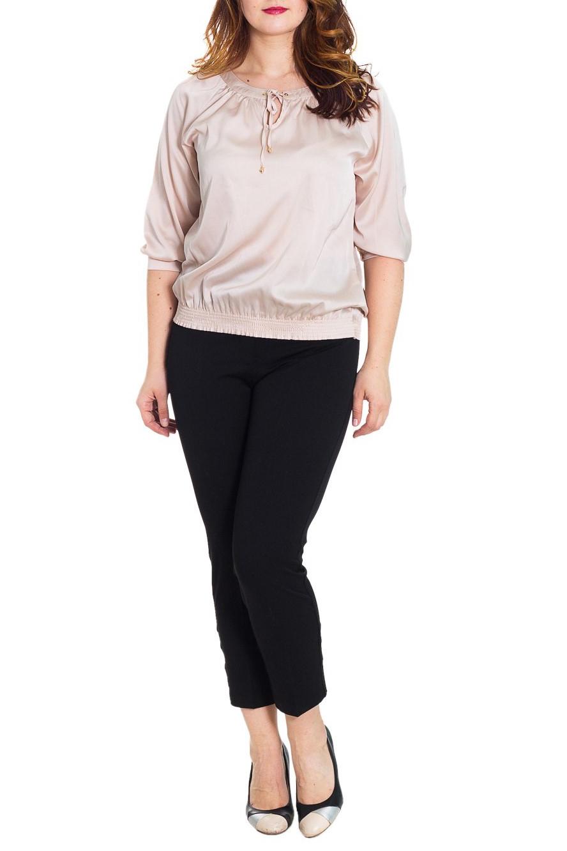 БрюкиБрюки<br>Укороченные женские брюки. Модель выполнена из плотного материала. Отличный выбор для повседневного и делового гардероба.  Цвет: черный  Рост девушки-фотомодели 180 см<br><br>По длине: Укороченные<br>По материалу: Тканевые<br>По рисунку: Однотонные<br>По сезону: Весна,Осень<br>По силуэту: Приталенные<br>По стилю: Офисный стиль,Повседневный стиль<br>Размер : 58<br>Материал: Костюмная ткань<br>Количество в наличии: 1