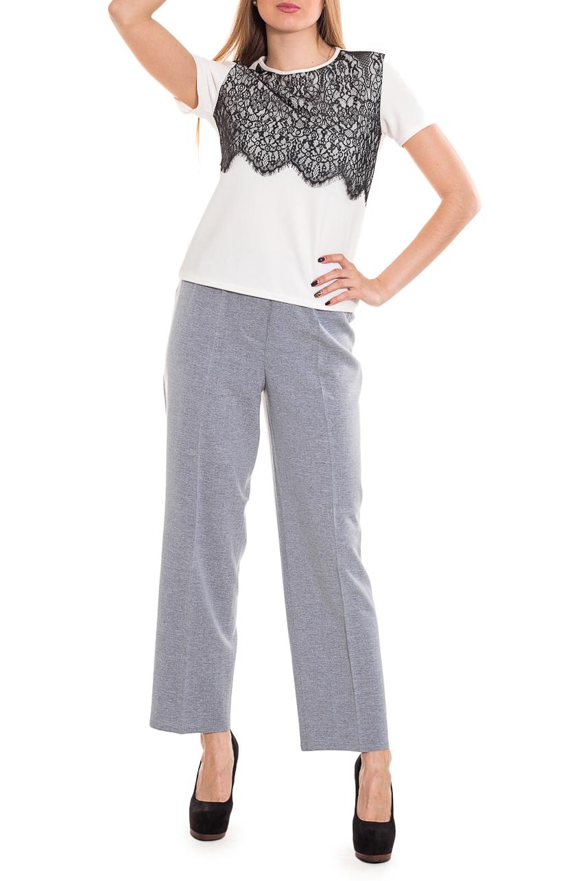 БрюкиБрюки<br>Классические прямые брюки. Модель выполнена из приятного материала. Отличный выбор для повседневного и делового гардероба.  Цвет: серый  Рост девушки-фотомодели 170 см<br><br>По материалу: Костюмные ткани,Тканевые<br>По рисунку: Однотонные<br>По силуэту: Полуприталенные<br>По стилю: Классический стиль,Офисный стиль,Повседневный стиль<br>По форме: Классические<br>По элементам: Со стрелками<br>По сезону: Осень,Весна,Зима<br>Размер : 46,48<br>Материал: Костюмно-плательная ткань<br>Количество в наличии: 5