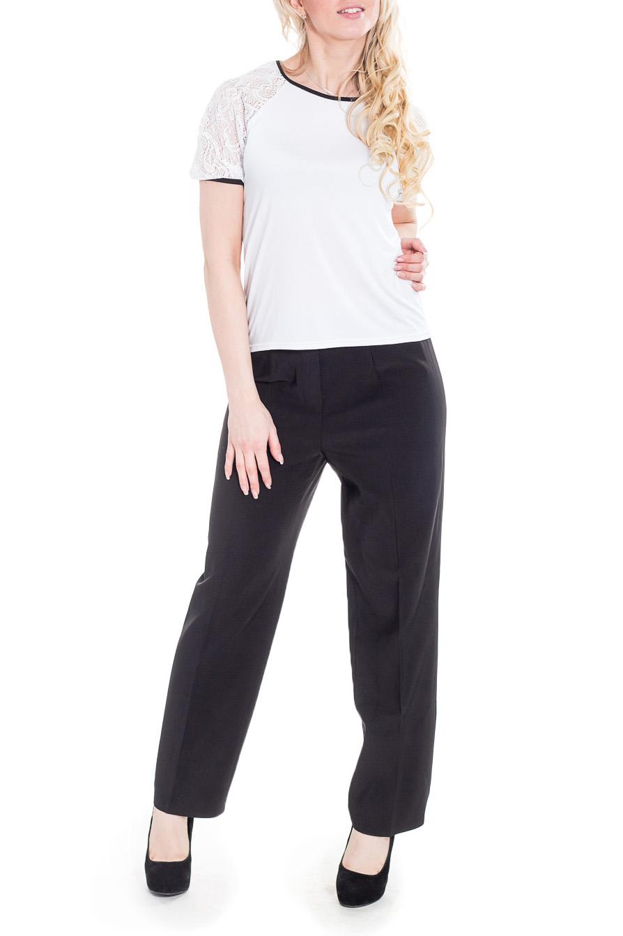 БрюкиБрюки<br>Классические женские брюки - это всегда актуальная и женственная модель, которая добавит удобства любому образу.  Цвет: черный.  Рост девушки-фотомодели 170 см<br><br>По материалу: Костюмные ткани,Тканевые<br>По рисунку: Однотонные<br>По сезону: Весна,Зима,Лето,Осень,Всесезон<br>По силуэту: Полуприталенные,Прямые<br>По стилю: Классический стиль,Кэжуал,Офисный стиль,Повседневный стиль<br>По форме: Классические<br>По элементам: С молнией,Со стрелками<br>Размер : 46<br>Материал: Костюмная ткань<br>Количество в наличии: 2