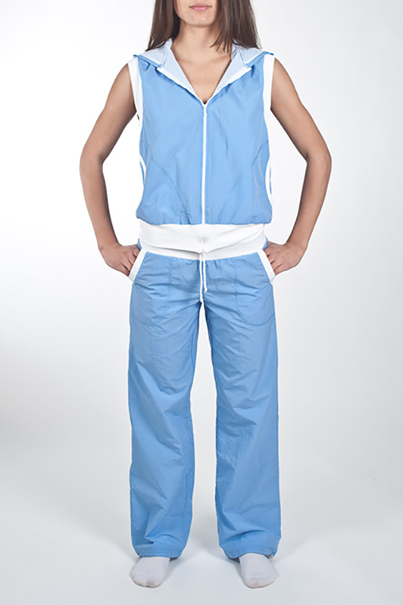 БрюкиСпортивная одежда<br>Замечательные брюки для занятия спортом и свободного стиля. У изделия два кармана. В данной модели используется подкладочная ткань quot;сеткаquot;, обеспечивающая комфорт при носке, оптимальные условия микроклимата, не сковывает движений. Модель, выполненная из ткани микрофибра - это текстиль новейшего поколения, бархатистая, эластичная, чрезвычайно крепкая ткань, устойчивая к химическому и световому воздействию. К преимуществам микрофибры следует отнести отсутствие quot;капризностиquot;: ткань мужественно переносит все тяготы эксплуатации, сохраняя первозданный вид в течение долгих лет.  Цвет: голубой.  Рост девушки-фотомодели 170 см  При создании образа, который Вы видите на фотографии, также был использован жилет арт. GL(2)-NNE. Для просмотра модели введите артикул в строке поиска.<br><br>Застежка: С завязками<br>По длине: Макси<br>По материалу: Плащевая ткань<br>По рисунку: Неоновые,Однотонные<br>По сезону: Весна,Зима,Осень,Всесезон<br>По силуэту: Полуприталенные<br>По стилю: Повседневный стиль,Спортивный стиль<br>По элементам: С карманами<br>По форме: Спортивные брюки<br>Размер : 46,48,50<br>Материал: Плащевая ткань<br>Количество в наличии: 3