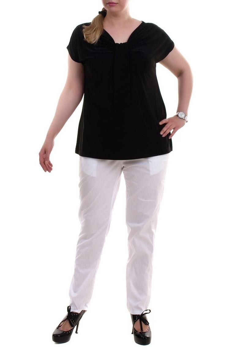 БрюкиБрюки<br>Удобные брюки из плотного материала. Отличный выбор для любого случая.  Цвет: белый  Рост девушки-фотомодели 173 см<br><br>По материалу: Тканевые<br>По образу: Город,Офис,Свидание<br>По рисунку: Однотонные<br>По сезону: Лето<br>По силуэту: Полуприталенные<br>По стилю: Офисный стиль,Повседневный стиль<br>По элементам: С карманами,С резинкой<br>Размер : 52,58<br>Материал: Костюмная ткань<br>Количество в наличии: 4