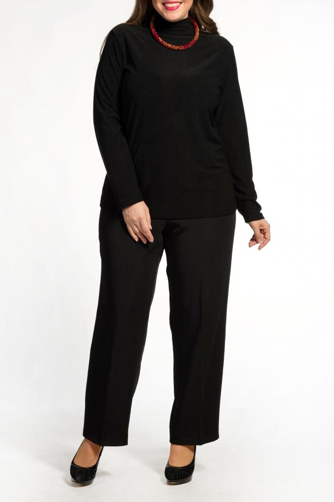БрюкиБрюки<br>Прямые брюки из плотного материала. Отличный вариант для любого случая.  В изделии использованы цвета: черный  Ростовка изделия 170 см.<br><br>По материалу: Костюмные ткани,Тканевые<br>По рисунку: Однотонные<br>По сезону: Весна,Зима,Лето,Осень,Всесезон<br>По силуэту: Прямые<br>По стилю: Классический стиль,Офисный стиль,Повседневный стиль<br>По форме: Классические<br>Размер : 62,64,66,68,70<br>Материал: Костюмная ткань<br>Количество в наличии: 5