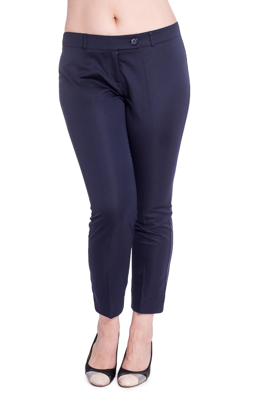 БрюкиБрюки<br>Укороченные брюки со стрелками. Модель выполнена из приятного материала. Отличный выбор для любого случая.   В изделии использованы цвета: синий  Рост девушки-фотомодели 180 см<br><br>Длина: Укороченные<br>Материал: Костюмные ткани,Тканевые<br>Рисунок: Однотонные<br>Сезон: Весна,Всесезон,Зима,Лето,Осень<br>Силуэт: Полуприталенные<br>Стиль: Классический стиль,Офисный стиль,Повседневный стиль<br>Форма: Зауженные<br>Элементы: Со стрелками<br>Размер : 48,50,52<br>Материал: Костюмная ткань<br>Количество в наличии: 3