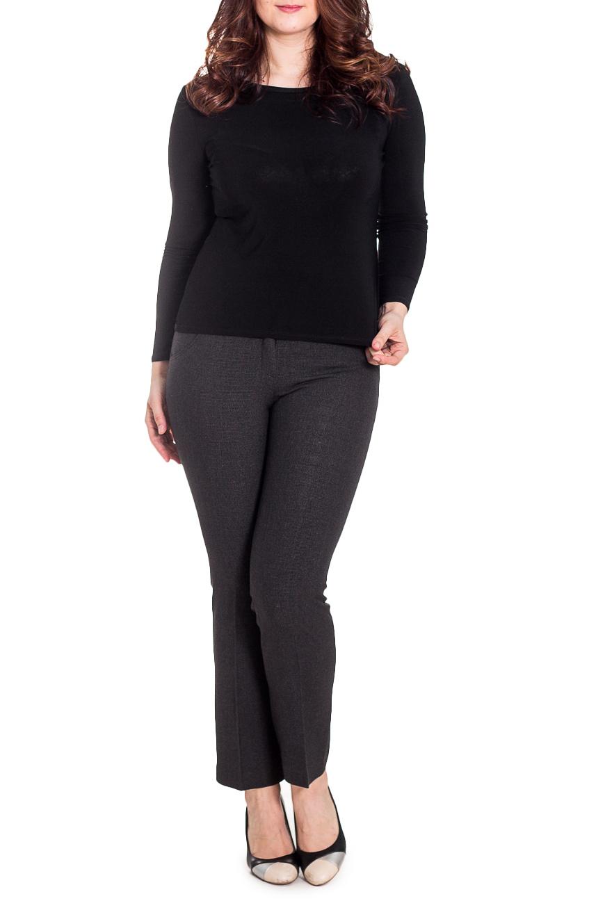 БрюкиБрюки<br>Роскошные брюки из теплого материала.  Цвет: серый  Рост девушки-фотомодели 180 см<br><br>По материалу: Костюмные ткани,Тканевые<br>По рисунку: Однотонные<br>По сезону: Зима,Осень,Весна,Лето,Всесезон<br>По силуэту: Полуприталенные<br>По стилю: Классический стиль,Офисный стиль,Повседневный стиль<br>По форме: Классические<br>По элементам: С завышенной талией,Со стрелками<br>Размер : 48,50,54,56<br>Материал: Костюмная ткань<br>Количество в наличии: 6