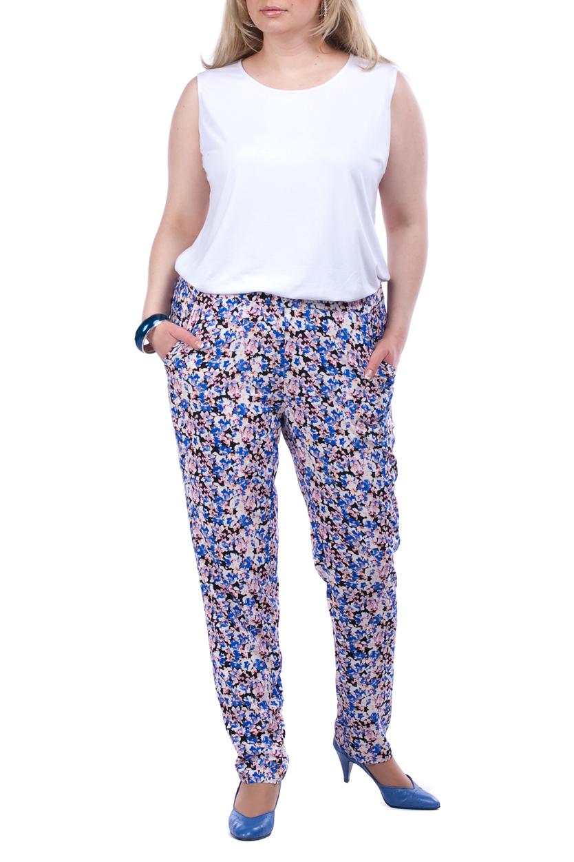 БрюкиБрюки<br>Универсальные брюки из хлопкового материала. Отличный выбор для повседневного гардероба.  Цвет: розовый, голубой, белый, черный  Рост девушки-фотомодели 173 см.<br><br>По образу: Город,Свидание<br>По стилю: Летний стиль,Повседневный стиль<br>По материалу: Вискоза,Хлопок<br>По рисунку: Растительные мотивы,С принтом,Цветные,Цветочные<br>По сезону: Лето<br>По силуэту: Полуприталенные<br>По форме: Шаровары<br>По длине: Удлиненные<br>Размер: 52,54,56,58,60,62,64,66,68<br>Материал: 95% хлопок 5% эластан<br>Количество в наличии: 15