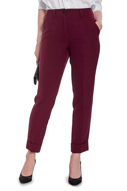 БрюкиБрюки<br>Прогрессивным и уверенным в себе женщинам определенно придутся по вкусу наши стильные, зауженные к низу брюки. Женские брюки - это не только практичный, но и сексуальный предмет одежды, который прекрасно подчеркивает достоинства женской фигуры.  Брюки зауженные книзу, до щиколотки, с отворотами по низу. Верхний срез обработан притачным поясом со шлевками. Застежка спереди на молнию с пуговицей, с гульфиком. Карманы с отрезным бочком.  Цвет: бордовый.  Рост девушки-фотомодели 169 см  Длина изделия по боковому шву - 90 ± 2 см Длина изделия по шаговому шву - 65 ± 2 см<br><br>По длине: Укороченные<br>По материалу: Костюмные ткани<br>По рисунку: Однотонные<br>По сезону: Весна,Зима,Лето,Осень,Всесезон<br>По силуэту: Полуприталенные,Приталенные<br>По стилю: Классический стиль,Кэжуал,Молодежный стиль,Офисный стиль,Повседневный стиль,Ультрамодный стиль<br>По форме: Зауженные,Классические<br>По элементам: С декором,С карманами,С молнией,С пуговицами,Со стрелками<br>Размер : 42,44<br>Материал: Костюмная ткань<br>Количество в наличии: 8
