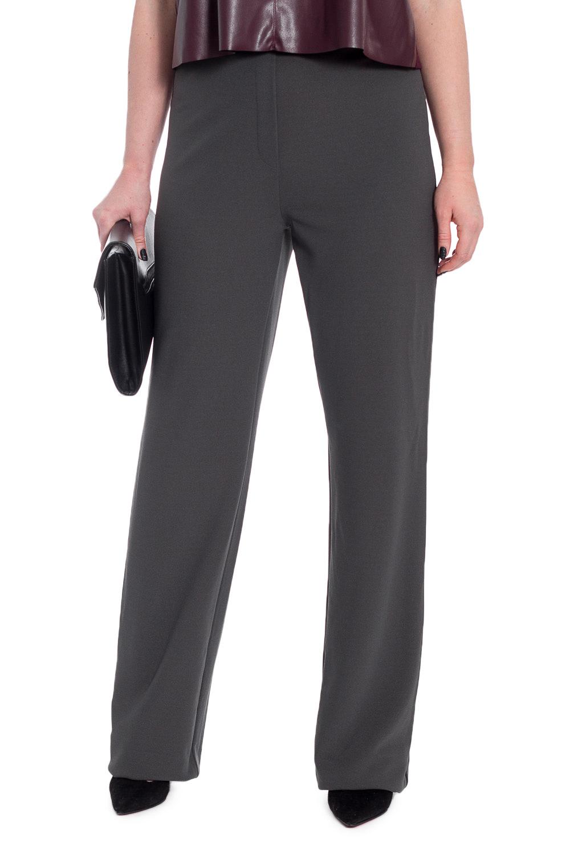 БрюкиБрюки<br>Классические женские брюки, прямые от бедра на поясе с имитацией гульфика на передней части изделия. Молния в боковом шве. На задней части талиевые вытачки.   Цвет: серый.  Рост девушки-фотомодели 170 см  Длина изделия по боковому шву - 112 ± 2 см  Длина внутреннего шва - 84 ± 2 см  При создании образа, который Вы видите на фотографии, также была использована стильная блузка арт. DG1616. Для просмотра модели введите артикул в строке поиска.<br><br>По материалу: Трикотаж<br>По рисунку: Однотонные<br>По сезону: Весна,Зима,Лето,Осень,Всесезон<br>По силуэту: Свободные<br>По стилю: Классический стиль,Кэжуал,Офисный стиль,Повседневный стиль<br>По форме: Классические<br>По элементам: С молнией<br>Размер : 46,48,50,52,56<br>Материал: Трикотаж<br>Количество в наличии: 31