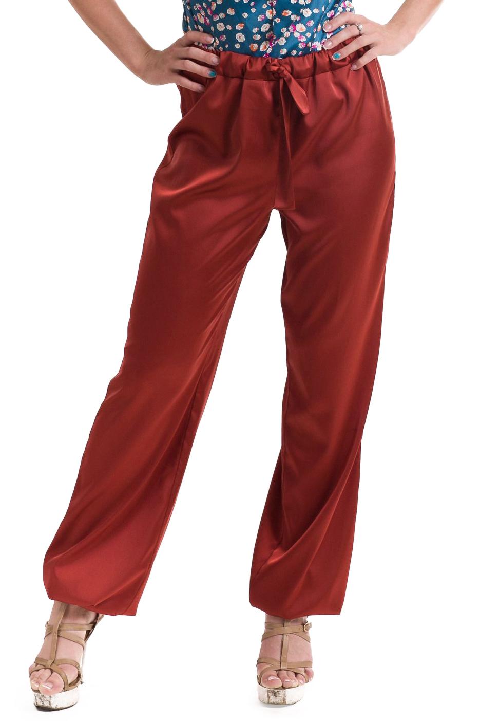 БрюкиБрюки<br>Брюки женские свободного покроя. В пояс вставлена резинка и завязки. Низ брюк собран на резинку.  Длина изделия: 42 размер - 115 см 44 размер - 115 см 46 размер - 115 см 48 размер - 115 см 50 размер - 115 см<br><br>По материалу: Тканевые,Хлопок,Атлас<br>По рисунку: Однотонные<br>По сезону: Лето<br>По силуэту: Свободные,Прямые<br>По стилю: Кэжуал,Повседневный стиль,Летний стиль,Молодежный стиль,Нарядный стиль<br>По форме: Шаровары<br>Размер : 42<br>Материал: Атлас<br>Количество в наличии: 7