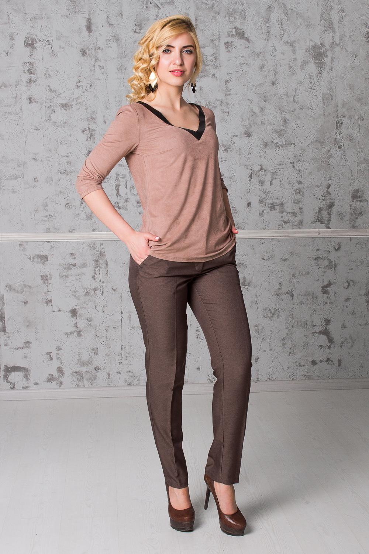 БрюкиБрюки<br>Бесспорный тренд последних модных сезонов - укороченные женские брюки. Строгие геометрические линии, однотонные расцветки станут отличной заменой обычным классическим моделям. Дополните эти стильные брюки модными аксессуарами и завершите образ успешной женщины  Брюки зауженные, с заниженной линией талии, на поясе со шлевками. На передней части изделия гульфик с застежкой на молнию и потайной крючок и карманы с отрезным бочком.  Цвет: коричневый.  Рост девушки-фотомодели 168 см.  Длина изделия по боковому шву - 96 ± 2 см  Длина внутреннего шва - 73 ± 2 см  При создании образа, который Вы видите на фотографии, также была использована стильная блузка арт. DG4616(3004-2091). Для просмотра модели введите артикул в строке поиска.<br><br>По длине: Укороченные<br>По материалу: Костюмные ткани,Тканевые<br>По рисунку: Однотонные<br>По сезону: Весна,Зима,Лето,Осень,Всесезон<br>По силуэту: Приталенные<br>По стилю: Классический стиль,Кэжуал,Летний стиль,Офисный стиль,Повседневный стиль<br>По форме: Зауженные,Классические<br>По элементам: С декором,С заниженной талией,С карманами,С молнией,Со стрелками<br>Размер : 42,44,46,48<br>Материал: Костюмно-плательная ткань<br>Количество в наличии: 7