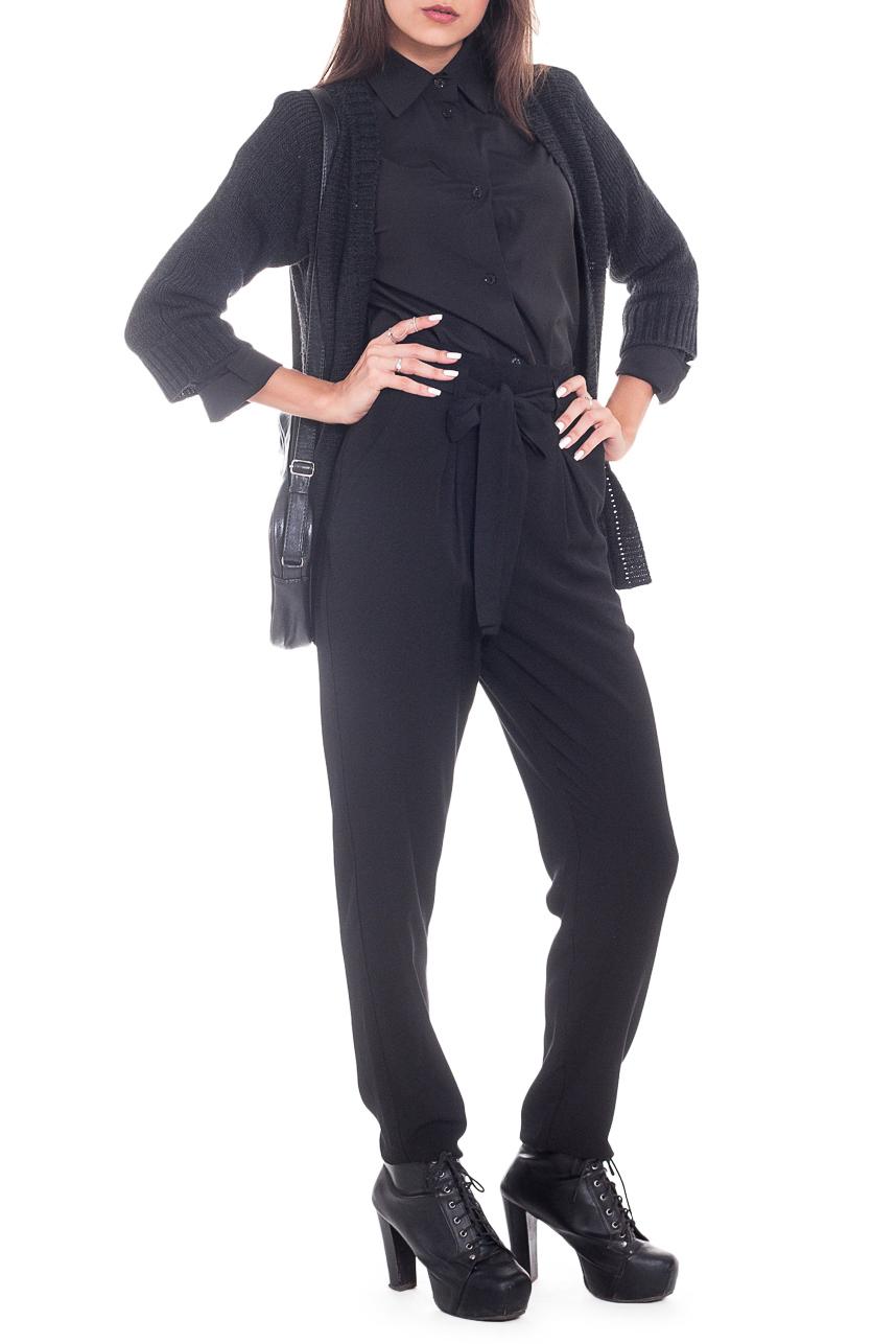 БрюкиБрюки<br>Прогрессивным и уверенным в себе женщинам определенно придутся по вкусу наши стильные, зауженные к низу брюки. Женские брюки вряд ли когда-либо выйдут из моды, ведь это не только практичный, но и сексуальный предмет одежды, который прекрасно подчеркивает достоинства женской фигуры.  Брюки от талии свободного кроя, без застежки, с резинкой на спинке. Съемный пояс со шлевками. На передней части изделия имитация гульфика, карманы с отрезным бочком и встречные складки.  Цвет: черный.  Рост девушки-фотомодели 165 см  Длина изделия (по боковому шву) - 105 ± 2 см Длина изделия (по внутреннему шву) - 75 ± 2 см  При создании образа, который Вы видите на фотографии, также были использованы стильный жакет арт. GK1616, рубашка DG7415 и сумка SMK4216. Для просмотра модели введите артикул в строке поиска.<br><br>По материалу: Костюмные ткани,Тканевые<br>По рисунку: Однотонные<br>По сезону: Весна,Зима,Лето,Осень,Всесезон<br>По силуэту: Свободные<br>По стилю: Кэжуал,Молодежный стиль,Офисный стиль,Повседневный стиль,Ультрамодный стиль<br>По элементам: С декором,С завязками,С резинкой<br>Размер : 48<br>Материал: Костюмная ткань<br>Количество в наличии: 1