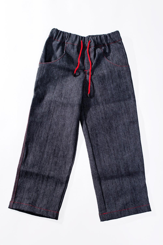 ДжинсыДжинсы<br>Детские хлопковые джинсы  Размер 92 соответствует росту 87-92 см Размер 110 соответствует росту 105-110 см  Цвет: синий<br><br>По материалу: Хлопковые<br>По образу: Повседневные<br>По рисунку: Однотонные<br>По сезону: Весна,Осень<br>По силуэту: Свободные<br>По форме: Классические<br>По элементам: На резинке<br>По стилю: Повседневные<br>По возрасту: Дошкольные ( от 3 до 7 лет),Ясельные ( от 1 до 3 лет)<br>По длине: Удлиненные<br>Размер : 80<br>Материал: Джинс<br>Количество в наличии: 1