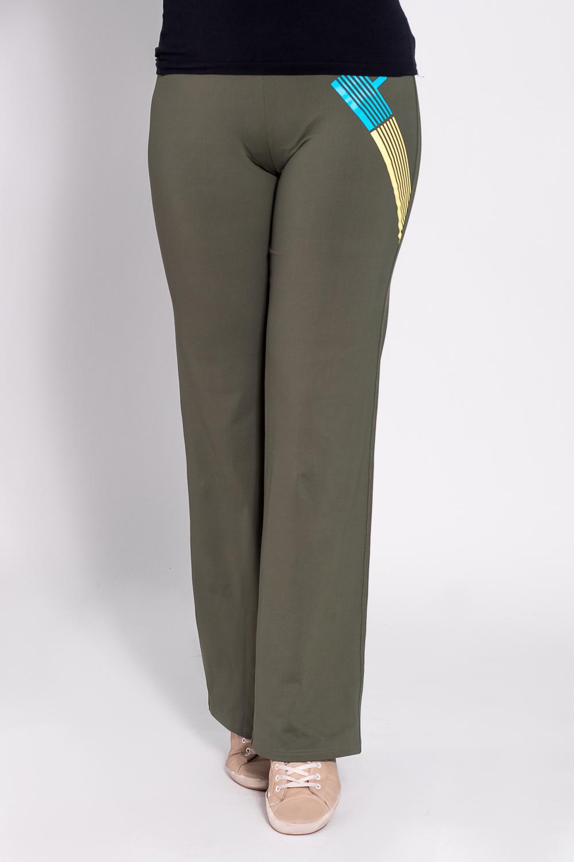 БрюкиБрюки<br>Удобные брюки из плотного трикотажа. Отличный выбор для занятий спортом или активного отдыха  Цвет: зеленый  Рост девушки-фотомодели 180 см<br><br>По материалу: Трикотаж<br>По рисунку: Однотонные<br>По сезону: Весна,Осень<br>По силуэту: Полуприталенные<br>По стилю: Повседневный стиль,Спортивный стиль<br>По элементам: С карманами<br>Размер : 46,48<br>Материал: Трикотаж<br>Количество в наличии: 2