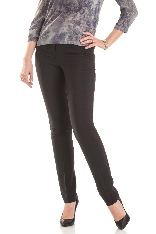 БрюкиБрюки<br>Классические женские брюки полуприталенного силуэта со флисом и стрелками.  Цвет: черный.  Ростовка изделия 170 см.<br><br>По материалу: Костюмные ткани,Флис<br>По рисунку: Однотонные<br>По силуэту: Полуприталенные<br>По стилю: Классический стиль,Кэжуал,Офисный стиль,Повседневный стиль<br>По форме: Классические<br>По элементам: С декором,С молнией,Со стрелками<br>По сезону: Зима<br>Размер : 44,46,48,52,54<br>Материал: Костюмная ткань<br>Количество в наличии: 10