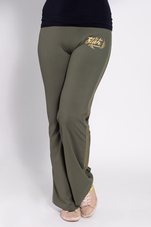 БрюкиБрюки<br>Удобные брюки из плотного трикотажа. Отличный выбор для занятий спортом или активного отдыха  Цвет: зеленый  Рост девушки-фотомодели 180 см<br><br>По материалу: Трикотаж<br>По рисунку: Однотонные<br>По сезону: Весна,Осень<br>По силуэту: Полуприталенные<br>По стилю: Повседневный стиль,Спортивный стиль<br>По элементам: С карманами<br>Размер : 46<br>Материал: Трикотаж<br>Количество в наличии: 1