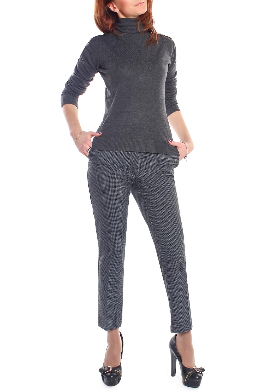 БрюкиБрюки<br>Великолепные молодежные узкие брюки ультрамодной длины 7/8. Данная модель на притачном поясе, сзади с карманами в рамку. Застежка расположена спереди на молнию и закрепляется пуговицей. Великолепная посадка позволяет точно и корректно подчеркнуть стройность фигуры на уровне талии и бедер, а точный дизайнерский расчет в расцветке ткани, все это оставит незабываемое впечатление у молодых женщин. Ростовка изделия 170 см.  В изделии использованы цвета: серый  Параметры размеров: 40 размер - обхват груди 84 см., обхват талии 62 см., обхват бедер 88 см. 42 размер - обхват груди 88 см., обхват талии 66 см., обхват бедер 92 см. 44 размер - обхват груди 92 см., обхват талии 70 см., обхват бедер 96 см. 46 размер - обхват груди 96 см., обхват талии 74 см., обхват бедер 100 см. 48 размер - обхват груди 100 см., обхват талии 78 см., обхват бедер 104 см. 50 размер - обхват груди 104 см., обхват талии 82 см., обхват бедер 108 см. 52 размер - обхват груди 108 см., обхват талии 86 см., обхват бедер 112 см. 54 размер - обхват груди 112 см., обхват талии 90 см., обхват бедер 116 см. 56 размер - обхват груди 116 см., обхват талии 94 см., обхват бедер 120 см. 58 размер - обхват груди 120 см., обхват талии 100 см., обхват бедер 126 см. 60 размер - обхват груди 124 см., обхват талии 105 см., обхват бедер 131 см. 62 размер - обхват груди 128 см., обхват талии 110 см., обхват бедер 136 см. 64 размер - обхват груди 132 см., обхват талии 115 см., обхват бедер 141 см. 66 размер - обхват груди 136 см., обхват талии 120 см., обхват бедер 146 см.<br><br>По длине: Укороченные<br>По материалу: Тканевые<br>По рисунку: С принтом<br>По силуэту: Приталенные<br>По стилю: Классический стиль,Офисный стиль,Повседневный стиль<br>По форме: Зауженные,Классические<br>По элементам: С карманами,Со стрелками<br>По сезону: Осень,Весна<br>Размер : 44,46,48<br>Материал: Костюмная ткань<br>Количество в наличии: 3