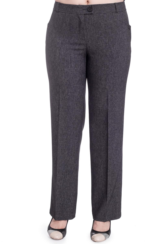 БрюкиБрюки<br>Деловые брюки - это классика с ее изысканностью, сдержанностью и безупречным кроем. Модель выполнена из приятного материала. Отличный вариант для повседневного и делового гардероба.  В изделии использованы цвета: серый  Рост девушки-фотомодели 180 см<br><br>По материалу: Тканевые<br>По рисунку: Однотонные<br>По сезону: Весна,Зима,Лето,Осень,Всесезон<br>По силуэту: Прямые<br>По стилю: Классический стиль,Офисный стиль,Повседневный стиль<br>По форме: Классические<br>По элементам: Со стрелками<br>Размер : 52,54<br>Материал: Костюмная ткань<br>Количество в наличии: 2
