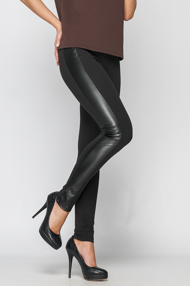 БрюкиБрюки<br>Брюки женские из плотного трикотажа. Прилегающего силуэта, зауженные. По бокам брюки декорированы широкими лампасами из экокожи. Пояс на эластичной резинке. Данная модель позволит создать молодежный и стильный образ.   Параметры изделия:  44 размер: обхват талии - 64 (резинка), обхват бедер - 96 см, длина изделия - 97 см;  52 размер: обхват талии - 74 (резинка), обхват бедер - 110 см, длина изделия - 99 см.  Цвет: черный  Рост девушки-фотомодели 170 см<br><br>По материалу: Трикотаж<br>По рисунку: Однотонные<br>По силуэту: Обтягивающие<br>По стилю: Байкерский стиль,Повседневный стиль,Кэжуал,Молодежный стиль<br>По форме: Зауженные<br>По элементам: С кожаными вставками<br>По сезону: Осень,Весна<br>Размер : 40,44,46,48<br>Материал: Трикотаж<br>Количество в наличии: 4
