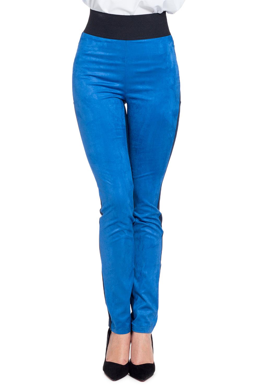 БрюкиБрюки<br>Ультрамодные брюки обтягивающего силуэта. Модель выполнена из эластичного трикотажа. Отличный выбор для повседневного гардероба.  В изделии использованы цвета: синий, голубой  Рост девушки-фотомодели 170 см<br><br>По материалу: Вискоза,Трикотаж<br>По образу: Город,Офис<br>По рисунку: Однотонные<br>По силуэту: Приталенные<br>По стилю: Молодежный стиль,Повседневный стиль,Ультрамодный стиль<br>По форме: Зауженные<br>По элементам: С завышенной талией,С карманами,С резинкой<br>По сезону: Осень,Весна<br>Размер : 44,46,48<br>Материал: Трикотаж<br>Количество в наличии: 3