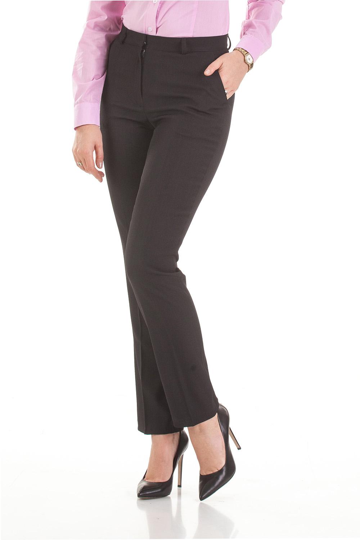 БрюкиБрюки<br>Классические прямые брюки со стрелками.  Удобная средняя посадка, боковые прорезные карманы. Прямой пояс со шлевками,  для ремешка. Застежка на молнию, крючок и потайную пуговицу.  В изделии использованы цвета: черный  Ростовка изделия 170 см.<br><br>По материалу: Тканевые<br>По рисунку: Однотонные<br>По сезону: Зима,Осень,Весна,Лето,Всесезон<br>По силуэту: Полуприталенные,Прямые<br>По стилю: Классический стиль,Кэжуал,Офисный стиль,Повседневный стиль<br>По форме: Зауженные<br>Размер : 44,46,48,50,52,54,56,58,60<br>Материал: Костюмная ткань<br>Количество в наличии: 16