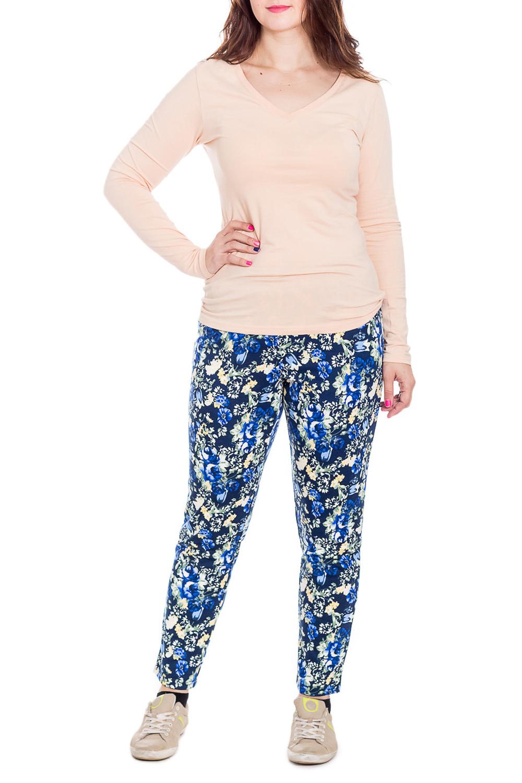 БрюкиБрюки<br>Домашние брюки из мягкого трикотажа. Домашняя одежда, прежде всего, должна быть удобной, практичной и красивой. В брюках Вы будете чувствовать себя комфортно, особенно, по вечерам после трудового дня. Ростовка изделия 164 см.  В изделии использованы цвета: синий, голубой, белый  Рост девушки-фотомодели 180 см.<br><br>По материалу: Вискоза,Трикотаж<br>По рисунку: Растительные мотивы,Цветные,Цветочные,С принтом<br>По сезону: Весна,Зима,Лето,Осень,Всесезон<br>По силуэту: Приталенные<br>Размер : 48,50,52,54<br>Материал: Трикотаж<br>Количество в наличии: 13