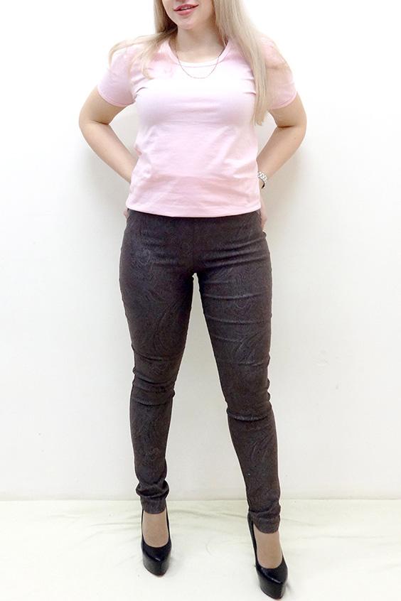 БрюкиБрюки<br>Обтягивающие брюки из плотного трикотажа. Отличный выбор для повседневного гардероба.  В изделии использованы цвета: коричневый и др.  Рост девушки-фотомодели 162 см<br><br>По материалу: Трикотаж<br>По образу: Город,Свидание<br>По рисунку: Однотонные,С принтом,Этнические<br>По силуэту: Обтягивающие,Приталенные<br>По стилю: Повседневный стиль<br>По форме: Зауженные<br>По элементам: С декором,С карманами<br>По сезону: Осень,Весна,Зима<br>Размер : 44,46,48,50,52,54<br>Материал: Трикотаж<br>Количество в наличии: 10