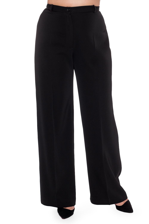 БрюкиБрюки<br>Классические женские брюки со стрелками. Модель выполнена из костюмной ткани. Отличный выбор для повседневного и делового гардероба. Ростовка изделия 170 см.  В изделии использованы цвета: черный  Рост девушки-фотомодели 170 см<br><br>По материалу: Костюмные ткани,Тканевые<br>По образу: Город,Офис<br>По рисунку: Однотонные<br>По сезону: Зима,Осень,Весна<br>По силуэту: Полуприталенные<br>По стилю: Офисный стиль,Повседневный стиль<br>По форме: Классические<br>По элементам: С завышенной талией,Со стрелками<br>Размер : 52<br>Материал: Костюмная ткань<br>Количество в наличии: 1