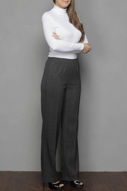 БрюкиБрюки<br>Женские классические брюки, прямого силуэта, чуть зауженные к низу. Пояс данной модели выполнен на круговой резинке, что делает их довольно таки удобными и практичными в повседневной жизни. Высокий пояс, обеспечит безукоризненную посадку, особенно для дам обладающих пышными формами.  Цвет: серый  Ростовка изделия 170 см.<br><br>По материалу: Тканевые,Шерсть<br>По рисунку: Однотонные<br>По силуэту: Полуприталенные<br>По стилю: Классический стиль,Офисный стиль,Повседневный стиль<br>По форме: Классические<br>По элементам: С резинкой<br>По сезону: Осень,Весна<br>Размер : 50,56,58,60<br>Материал: Костюмная ткань<br>Количество в наличии: 6