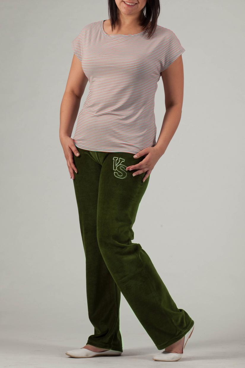 БрюкиБрюки<br>Однотонные брюки из мягкого велюра. Отличный выбор для занятий спортом или активного отдыха.  Цвет: зеленый  Рост девушки-фотомодели 170 см.<br><br>По материалу: Трикотаж<br>По образу: Город,Спорт<br>По рисунку: Однотонные<br>По силуэту: Полуприталенные<br>По стилю: Повседневный стиль,Спортивный стиль<br>По сезону: Осень,Весна<br>Размер : 58<br>Материал: Велюр<br>Количество в наличии: 1