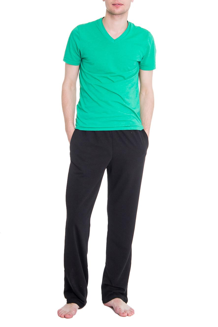 БрюкиСпортивная одежда<br>Мужские хлопковые брюки. Отличный вариант для активного отдыха.  Цвет: черный  Рост мужчины-фотомодели 182 см<br><br>Размер : 46,48,50<br>Материал: Трикотаж<br>Количество в наличии: 9