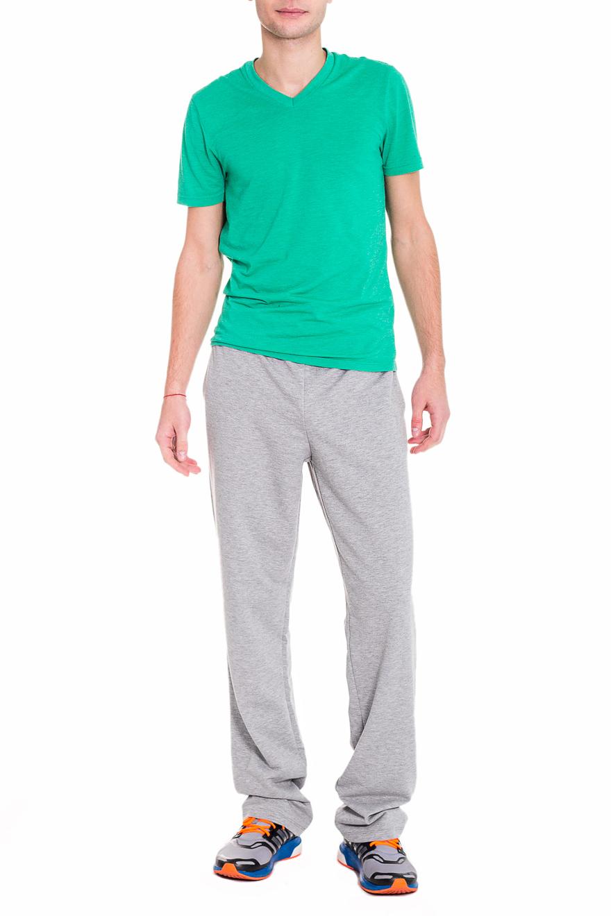 БрюкиСпортивная одежда<br>Мужские хлопковые брюки. Отличный вариант для активного отдыха.  Цвет: серый  Рост мужчины-фотомодели 182 см<br><br>По сезону: Осень,Весна<br>Размер : 46,48,50,54,56<br>Материал: Трикотаж<br>Количество в наличии: 13