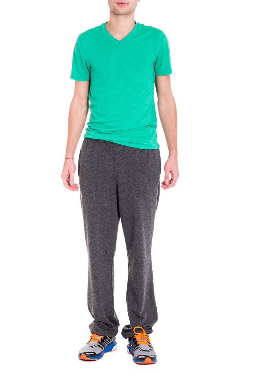БрюкиСпортивная одежда<br>Мужские хлопковые брюки. Отличный вариант для активного отдыха. Ростовка изделия 182 см.  Цвет: черный  Рост мужчины-фотомодели 182 см<br><br>По сезону: Осень,Весна<br>Размер : 46<br>Материал: Трикотаж<br>Количество в наличии: 2