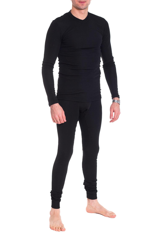 КальсоныТермобелье<br>Термобелье - это специальное нижнее белье. Оно выполняет терморегулирующую функцию, препятствует переохлождению и перегреву, отводит влагу, сохраняет комфорт, оставаясь сухим и мягким. Термобелье можно использовать как для занятий спортом, так и для повседневной носки.  Теплые, комфортные в носке кальсоны на флисе, отлично садятся по фигуре. Модель прекрасно сохраняет форму после стирки.   Как работает термобельё:  - сохраняет тепло Содержащийся в ткани воздух, соприкасаясь с теплом, нагревается до   комфортной температуры. Таким образом создается защитная прослойка из   теплого воздуха между кожей и холодной внешней средой, достигается эффект   сохранения тепла.  - отводит влагу  -оптимальный баланс между теплом и относительной влажностью  Внутренний слой обычно обрабатывается специальной антибактериальной   пропиткой, поэтому термобельё нейтрализует раздражающее действие пота на   кожу и так же обладает следующими качествами: легко чистится,   износостойкое, не мнущееся, долговечное, не выгорает, стабильно в размерах,   не токсично, дышит.  Уход за термобельём  Термобелье следует стирать в теплой воде при температуре не выше +40С, с   мылом или стиральным порошком, вручную или в стиральной машине в бережном   режиме с добавлением ополаскивателя с антистатиком. После стирки необходимо   тщательно дополоскать. Не отжимать, а дать воде стечь. Сушить без   применения нагревательных приборов.  Термобельё категорически запрещается кипятить, гладить, сушить в сушильной   машине, на батарее отопления или над огнем. Белье нельзя подвергать   химической чистке и обрабатывать любыми растворителями. Помните, что   материал нагретый до температуры более +60С, необратимо теряет свои   свойства. Бельё не линяет и не красится при ручной и машинной стирке.  Цвет: черный  Рост мужчины-фотомодели 177 см<br><br>По сезону: Зима<br>Размер : 52/170,54/170,54/176<br>Материал: Трикотаж<br>Количество в наличии: 4