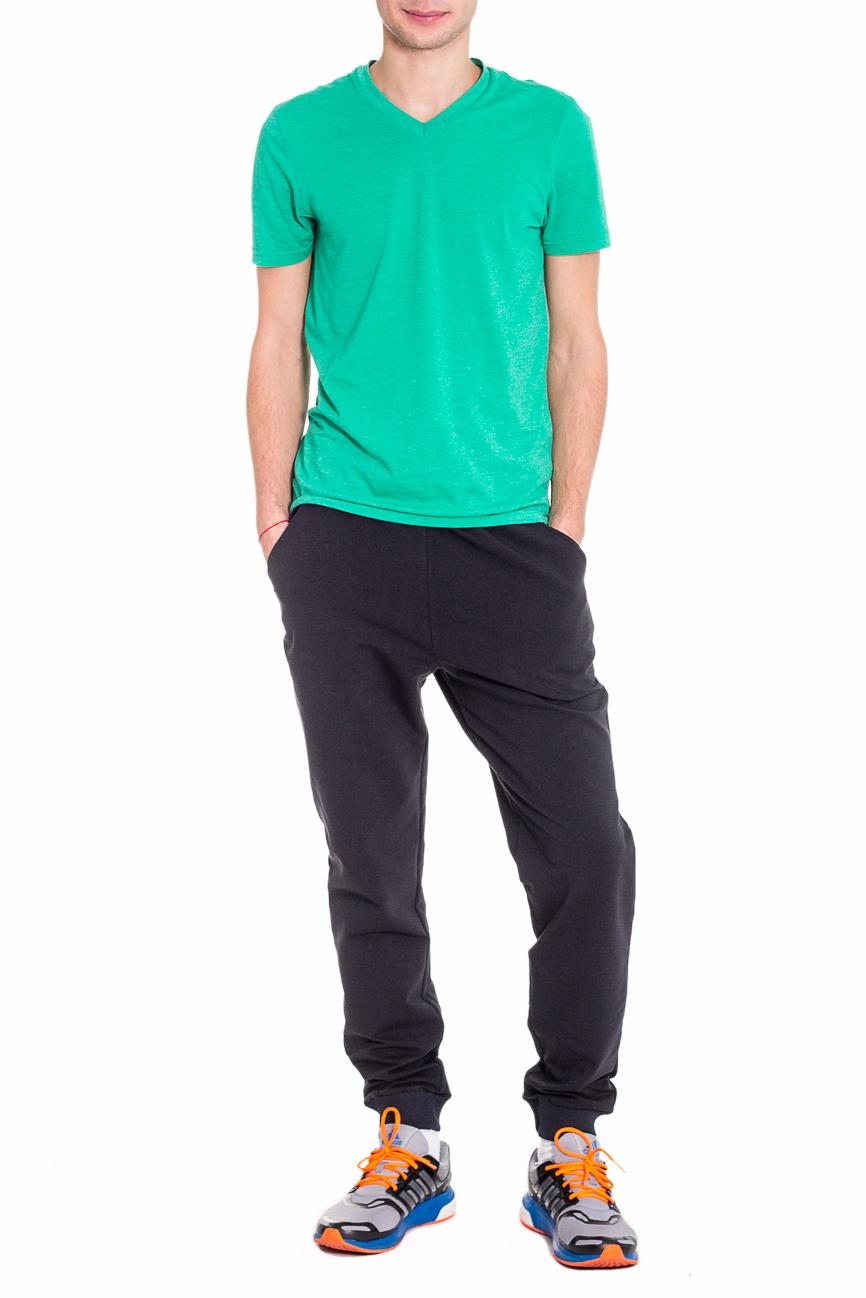 БрюкиСпортивная одежда<br>Мужские хлопковые брюки. Отличный вариант для активного отдыха.  Цвет: черный  Рост мужчины-фотомодели 182 см<br><br>По сезону: Осень,Весна<br>Размер : 48,52<br>Материал: Трикотаж<br>Количество в наличии: 2