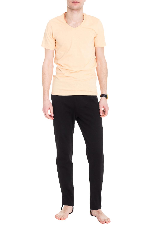 КальсоныТермобелье<br>Термобелье - это специальное нижнее белье. Оно выполняет терморегулирующую функцию, препятствует переохлождению и перегреву, отводит влагу, сохраняет комфорт, оставаясь сухим и мягким. Термобелье можно использовать как для занятий спортом, так и для повседневной носки.  Теплые, комфортные в носке кальсоны, отлично садятся по фигуре. Модель прекрасно сохраняет форму после стирки.  Ростовка изделия 170 см.  Цвет: черный  Рост мужчины-фотомодели 182 см<br><br>По сезону: Зима<br>Размер : 46,48,50,52,54,56,58,60<br>Материал: Трикотаж<br>Количество в наличии: 25