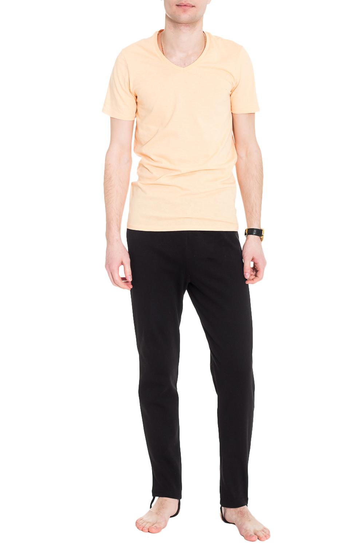 КальсоныТермобелье<br>Термобелье - это специальное нижнее белье. Оно выполняет терморегулирующую функцию, препятствует переохлождению и перегреву, отводит влагу, сохраняет комфорт, оставаясь сухим и мягким. Термобелье можно использовать как для занятий спортом, так и для повседневной носки.  Теплые, комфортные в носке кальсоны на флисе, отлично садятся по фигуре. Модель прекрасно сохраняет форму после стирки.  Ростовка изделия 182 см.  Цвет: черный  Рост мужчины-фотомодели 182 см<br><br>По сезону: Зима<br>Размер : 44,46,48/182,54,56,58<br>Материал: Трикотаж<br>Количество в наличии: 12