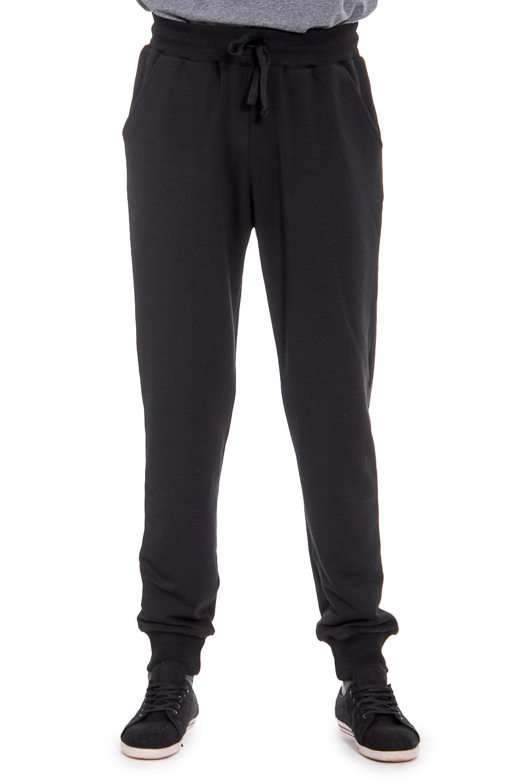 БрюкиБрюки<br>Удобные и практичные мужские брюки. Модель выполнена из эластичного трикотажа. Отличный выбор для занятий спортом или активного отдыха. Ростовка изделия 182 см.  Цвет: черный  Рост мужчины-фотомодели 177 см<br><br>По сезону: Всесезон<br>Размер : 46,50<br>Материал: Трикотаж<br>Количество в наличии: 2