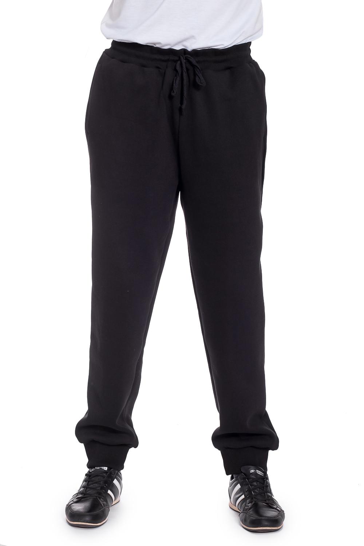 БрюкиБрюки<br>Трикотажные мужские брюки. Отличный выбор для занятий спортом или активного отдыха. Ростовка изделия 176 см.  Цвет: черный  Рост мужчины-фотомодели 177 см<br><br>По сезону: Осень,Весна<br>Размер : 46,48,50,52<br>Материал: Трикотаж<br>Количество в наличии: 6