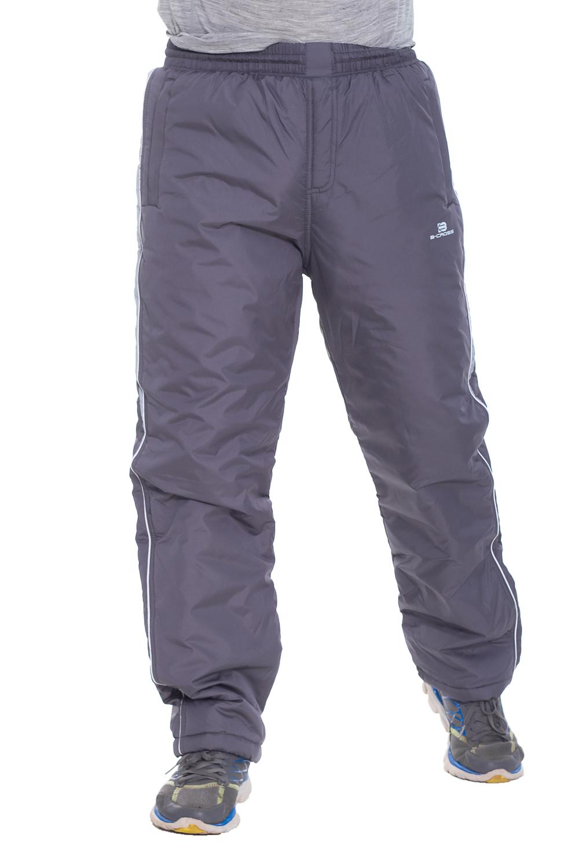 БрюкиБрюки<br>Мужские утепленные брюки. Модель выполнена из плотной болоньи.   Цвет: серый  Рост мужчины-фотомодели 173 см<br><br>По сезону: Зима<br>Размер : 46,48,52,54,56<br>Материал: Болонья<br>Количество в наличии: 11