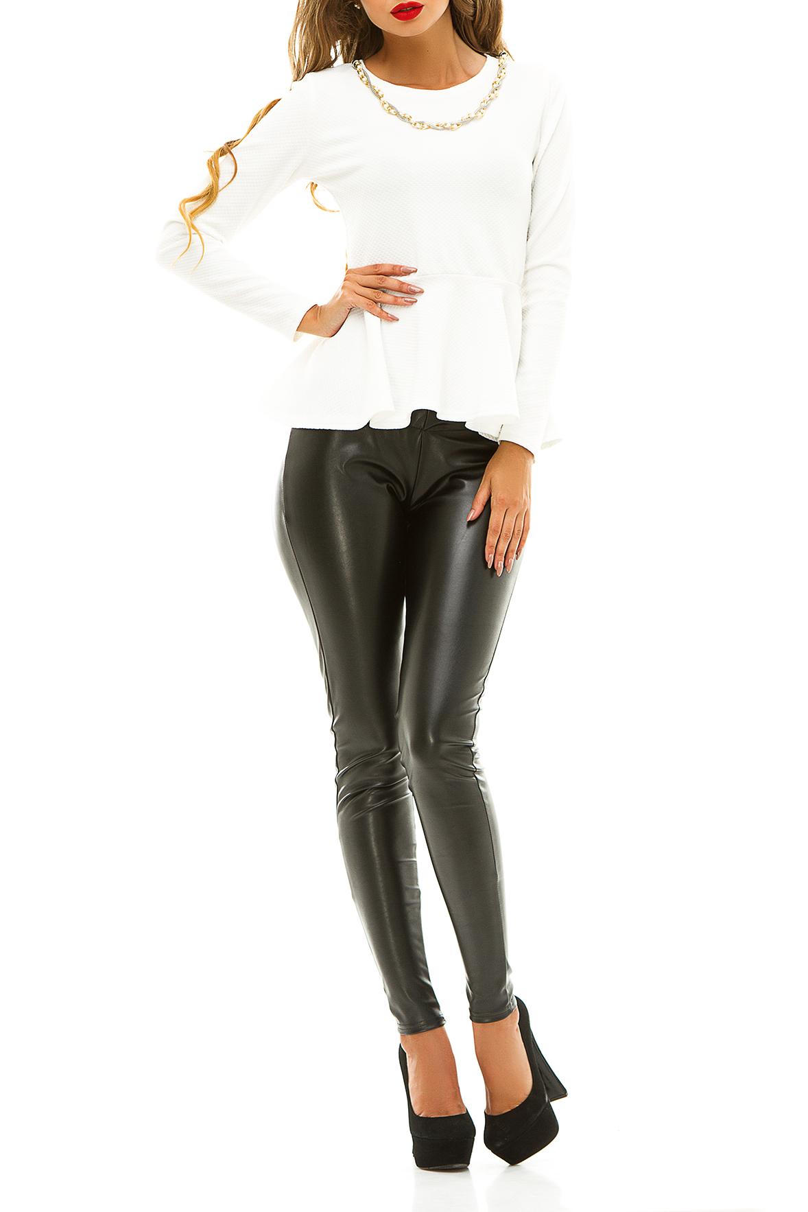 БлузкаБлузки<br>Выглядеть элегантно девушке поможет блузка с баской. Это изделие с длинным рукавом выполненно из практичной ткани. Она имеет простой и минималистичный дизайн. Неглубокий круглый вырез оформлен бусами, придающими кофте тождественность. Если вы подбираете наряд для офиса, эта модель сможет разнообразить скучный деловой образ. Расширяющаяся к низу баска скроет лишние сантиметры при необходимости.  Цвет: белый.  Ростовка изделия 170 см.<br><br>Горловина: С- горловина<br>По материалу: Трикотаж<br>По рисунку: Однотонные,Фактурный рисунок<br>По сезону: Зима,Осень,Весна<br>По силуэту: Полуприталенные<br>По стилю: Классический стиль,Кэжуал,Молодежный стиль,Офисный стиль,Повседневный стиль,Романтический стиль<br>По элементам: С баской,С декором,С отделочной фурнитурой,С фигурным низом<br>Рукав: Длинный рукав<br>Размер : 42-44,44-46<br>Материал: Трикотаж<br>Количество в наличии: 2
