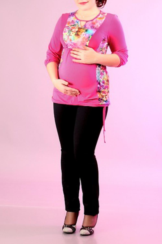 БлузкаБлузки для будущих мам<br>Женская блузка с круглой горловиной и рукавами 3/4. Модель выполнена из мягкой вискозы. Отличный выбор для повседневного гардероба.  За счет свободного кроя и эластичного материала изделие комфортно носить во время беременности  Цвет: розовый<br><br>Горловина: С- горловина<br>По материалу: Вискоза,Трикотаж<br>По рисунку: Растительные мотивы,Цветные,Цветочные,С принтом<br>По сезону: Весна,Осень<br>По силуэту: Полуприталенные<br>Рукав: Рукав три четверти<br>По стилю: Повседневный стиль<br>Размер : 46,48,50,52,54<br>Материал: Вискоза<br>Количество в наличии: 5