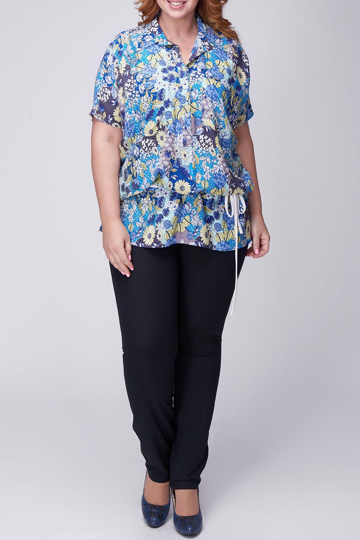БлузкаБлузки<br>Цветная блузка с отложным воротником и короткими рукавами. Модель выполнена из мягкой вискозы. Отличный выбор для повседневного гардероба.  В изделии использованы цвета: синий, голубой и др.  Рост девушки-фотомодели 174 см<br><br>Воротник: Отложной<br>Горловина: V- горловина<br>Застежка: С пуговицами<br>По материалу: Вискоза<br>По рисунку: Растительные мотивы,С принтом,Цветные,Цветочные<br>По сезону: Весна,Зима,Лето,Осень,Всесезон<br>По силуэту: Полуприталенные<br>По стилю: Летний стиль,Повседневный стиль<br>Рукав: Короткий рукав<br>Размер : 52,54,56,58,60,62<br>Материал: Вискоза<br>Количество в наличии: 12