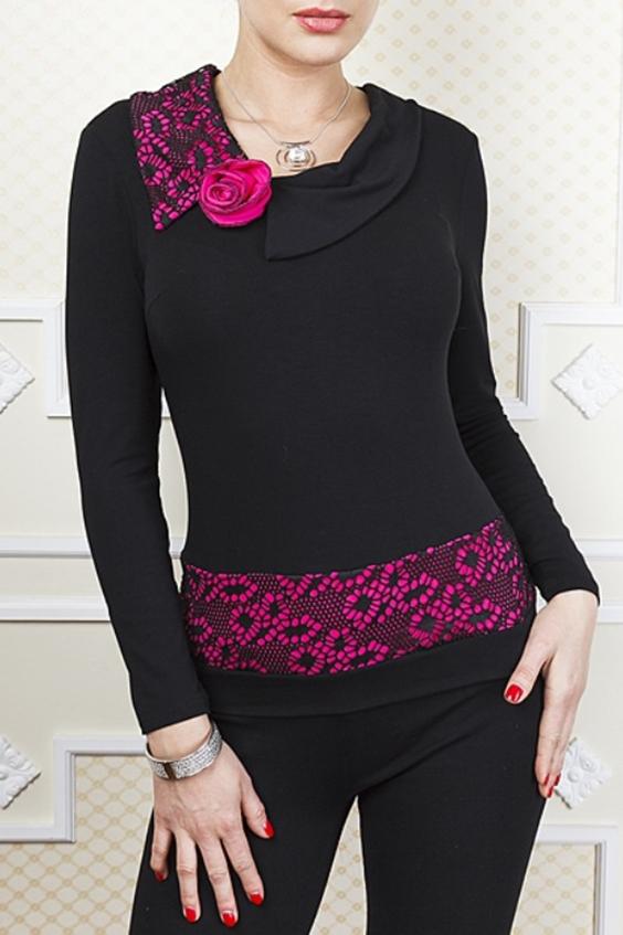 БлузкаБлузки<br>Элегантная блузка с гипюровой кокеткой по полочке и спинке, рукав 3/4 так же украшен гипюром. Подойдет под юбку и брюки.  Цвет: черный, розовый  Параметры (обхват груди; обхват талии; обхват бедер): 44 размер - 88; 66,4; 96 см 46 размер - 92; 70,6; 100 см 48 размер - 96; 74,2; 104 см 50 размер - 100; 90; 106 см 52 размер - 104; 94; 110 см 54-56 размер - 108-112; 98-102; 114-118 см 58-60 размер - 116-120; 106-110; 124-130 см<br><br>Воротник: Отложной<br>По материалу: Вискоза,Гипюр,Тканевые<br>По образу: Выход в свет,Свидание<br>По сезону: Весна,Зима,Лето,Осень,Всесезон<br>По силуэту: Полуприталенные<br>По стилю: Нарядный стиль<br>По элементам: С декором<br>Рукав: Длинный рукав<br>Размер : 48,50,52,54-56<br>Материал: Трикотаж + Гипюр<br>Количество в наличии: 4