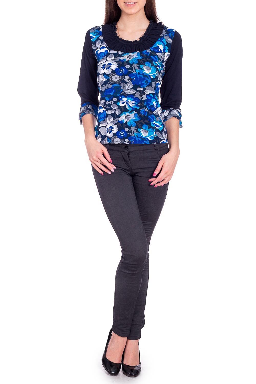 БлузкаБлузки<br>Цветная блузка с круглой горловиной и рукавами 3/4. Модель выполнена из приятного материала. Отличный выбор для повседневного гардероба. Ростовка изделия 164 см.  В изделии использованы цвета: синий, голубой и др.  Рост девушки-фотомодели 170 см<br><br>Горловина: С- горловина<br>По материалу: Вискоза<br>По рисунку: Растительные мотивы,С принтом,Цветные,Цветочные<br>По сезону: Весна,Зима,Лето,Осень,Всесезон<br>По силуэту: Полуприталенные<br>По стилю: Повседневный стиль<br>Рукав: Рукав три четверти<br>Размер : 50<br>Материал: Вискоза<br>Количество в наличии: 1